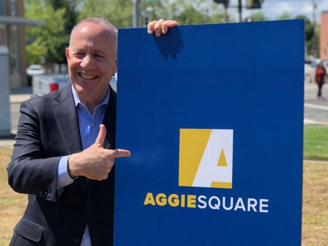 Sacramento Mayor Steinberg at Aggie Square press conference